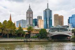 Yarrarivier en de mening van Melbourne CBD Royalty-vrije Stock Afbeeldingen