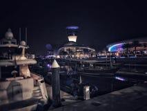 YAS小游艇船坞在晚上在阿布扎比 免版税图库摄影