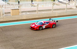 Yas Marina Racing Circuit Sports Car, die in Abu Dhabi läuft stockbilder
