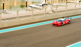 Yas Marina Racing Circuit Sports Car die in Abu Dhabi rennen Royalty-vrije Stock Afbeelding