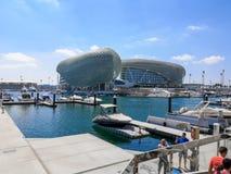 Yas namiestnika hotelu i Yas Marina obw?d, Abu Dhabi S?awny obw?d jest miejsce wydarzenia dla Abu Dhabi formu?a jeden Grand Prix, zdjęcia royalty free