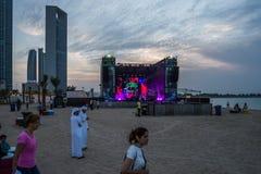 Yasalam Live Across de Stad, A 'l Bahar, Abu Dhabi Corniche/leeft een opwindende kalender van 10 dagen van festiviteiten om te me royalty-vrije stock afbeeldingen