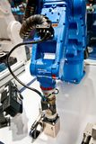 Yaskawa在Messe的机器人胳膊公平在汉诺威,德国 免版税库存图片