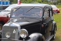 Yaslo, Polonia - 12 de julio de 2018: El vehículo de pasajeros negro viejo de la marca Marsedes BZ del lanzamiento 1939 Restaurac foto de archivo libre de regalías