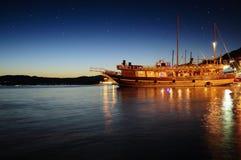 Yatch τη νύχτα Στοκ Φωτογραφία