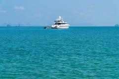 Yatch en el mar Foto de archivo