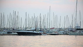 Yatchs in Jachthaven, Bodrum, Turkije stock footage