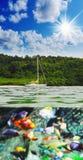 Yate en el mar abierto Fotografía de archivo