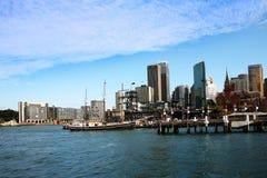 Yate en el puerto de Sidney Imagen de archivo libre de regalías