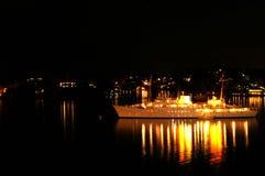 Yate en los mares de la noche Fotografía de archivo