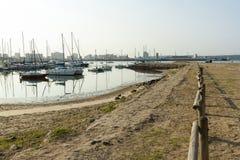 Yates amarrados en el puerto, Durban Suráfrica Fotos de archivo