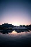 Yates en bahía con la luz de la mañana Imagen de archivo libre de regalías