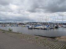 Yates en el Fife Escocia del puerto Imagenes de archivo