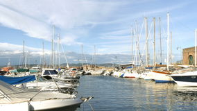 Yates en el mar Mediterráneo - 4 K metrajes