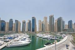Yates en el puerto de Dubai, emiratos árabes unidos Imagenes de archivo