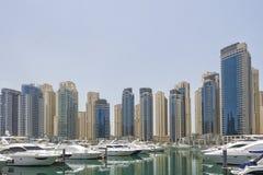 Yates en el puerto de Dubai, emiratos árabes unidos Imagen de archivo libre de regalías