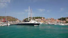 Yates en Port de Soller, isla de Mallorca, España