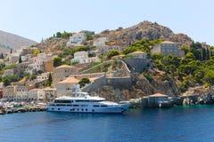 Yates y casas - islas de Grecia Fotografía de archivo