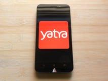 Yatra app op mobiele telefoon royalty-vrije stock fotografie