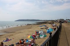 Yaverland no norte da baía de Sandown na ilha do Wight foto de stock royalty free