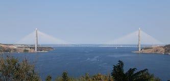Yavuz苏丹塞利姆桥梁在伊斯坦布尔 免版税库存照片