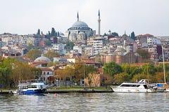 Yavuz Selim Mosque en kerk van Heilige Theodosia in Istanboel Stock Foto's