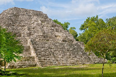 Yaxha - pyramide do maya Fotografia de Stock Royalty Free