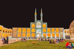 Yazd Amir Chakhmaq Complex na noite Imagem de Stock