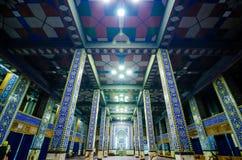 Yazd, Iran - 17 mai 2017 À l'intérieur de la mosquée architectonique de Rozeh Mohamedieh photo libre de droits