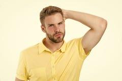 ?ycie bez dandruff w?osy zdrowy Facet atrakcyjny cieszy si? fryzur? M??czyzna brodata surowa twarz cieszy si? ?wie?o?? biel fotografia royalty free
