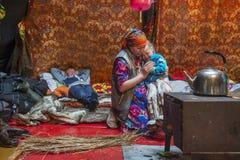 Życie codzienne Rosyjscy tubylczy reniferowi poganiacze bydła w Arktycznym Obraz Stock