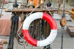 Życie pierścionek na żeglowanie łodzi Fotografia Stock