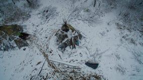 Życie w tipi przy zimą na Ural górze Zdjęcie Stock