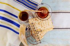 Żydowski wakacyjny hannukah z menorah tradycyjnym Zdjęcia Stock