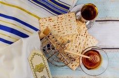 Żydowski wakacyjny hannukah z menorah tradycyjnym Fotografia Royalty Free