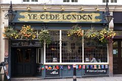 Ye Olde Londyński pub, Londyn, UK Zdjęcie Royalty Free