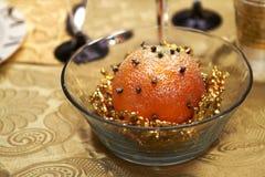 Year' novo; sobremesa de s, sob a forma dos ornamento no Natal fotografia de stock