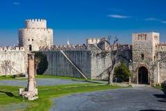 Yedikule Hisarlari (fortaleza) de siete torres Istanbu Foto de archivo libre de regalías