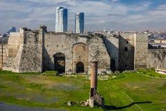 Yedikule Hisarlari (fortaleza) de siete torres Istanbu Foto de archivo