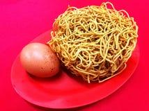 Yee Mee y huevo Foto de archivo