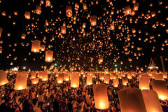 Yee Peng Festival en la provincia de Chiangmai, Tailandia imagen de archivo