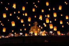 Yee Peng festiwalu, Loy Krathong świętowanie, i spławowi lampiony zdjęcia stock