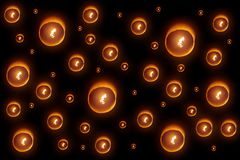 Yee Peng Lantern oder Yi Peng Fire Paper Lamp, der in Nacht steigt Lizenzfreie Stockfotos