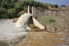 Yeguas的水坝的溢洪道 库存图片