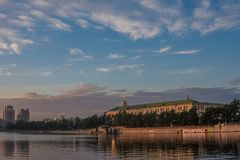 YEKATERINBURG, ΡΩΣΙΑ - 1 ΙΟΥΛΊΟΥ 2017: Λίμνη πόλεων αποβαθρών, Sevastyano Στοκ εικόνα με δικαίωμα ελεύθερης χρήσης