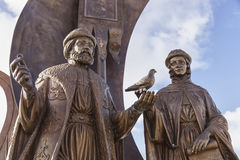 Yekaterinburg monument till de ortodoxa saintsna Peter för ryss och Royaltyfri Fotografi
