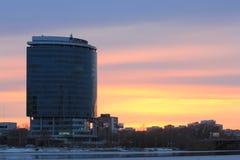 Yekaterinsburg Russland Sonnenuntergang auf dem Stadtteich lizenzfreie stockfotos