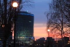 Yekaterinsburg Ryssland Solnedgång på stadsdammet ` för president för ` för affärsmitt, Arkivfoton