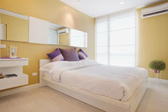 Yellow bedroom Royalty Free Stock Photography
