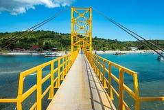 Free Yellow Bridge Between The Islands Of Nusa Cheningan And Nusa Lembongan Stock Photos - 133290293